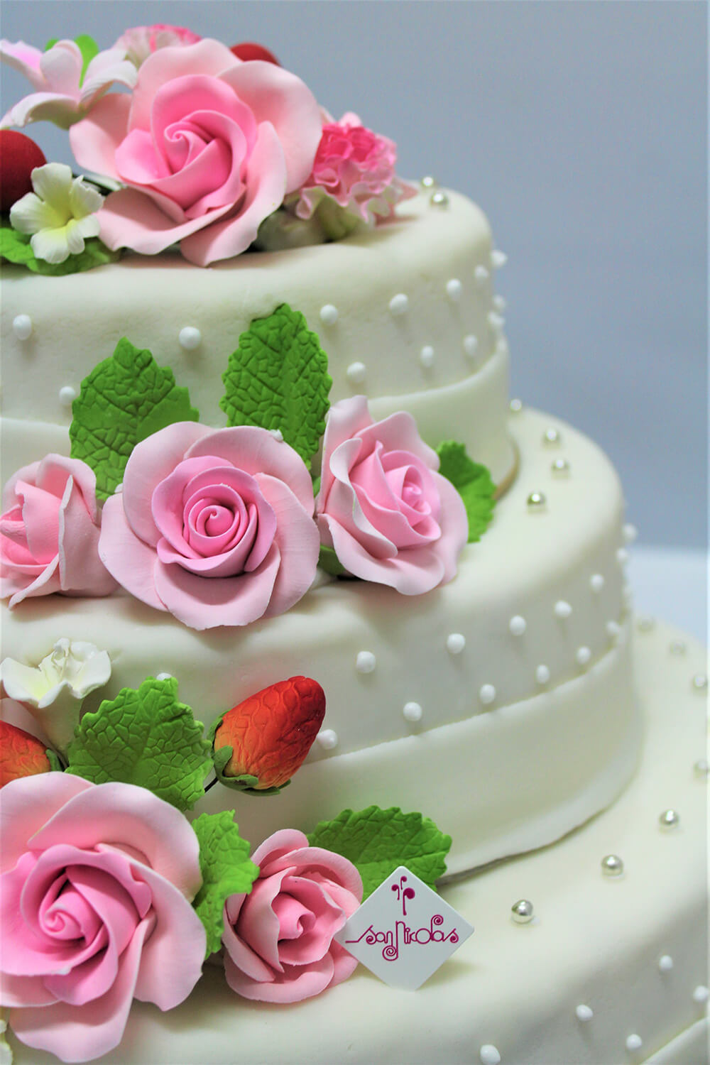 photo HD pâtisserie san nicolas wedding cake